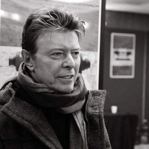 Les proches de David Bowie remercient les fans…