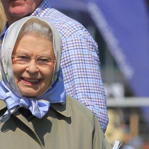Tournée au pub pour Elisabeth II