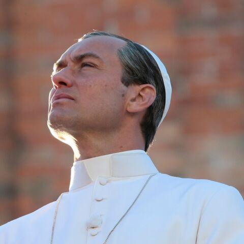 Vidéo – Les premières images de Jude Law en pape