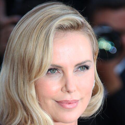PHOTOS – Charlize Theron fricoterait-elle avec l'ex d'une célèbre comédienne?