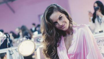 PHOTOS – Victime d'un petit problème de robe, le top brésilien Izabel Goulart dévoile ses fesses