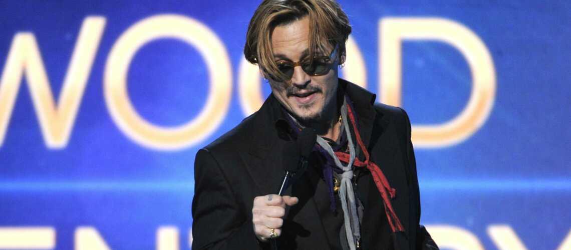 Johnny Depp ivre, Kristen Stewart très sexy, les Hollywood Film Awards en images