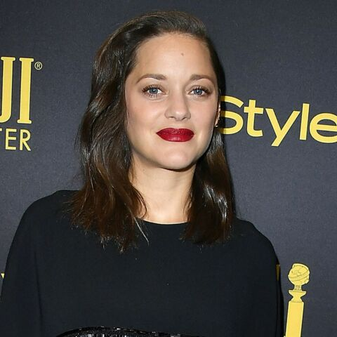 PHOTO – Marion Cotillard future maman sexy en robe mini