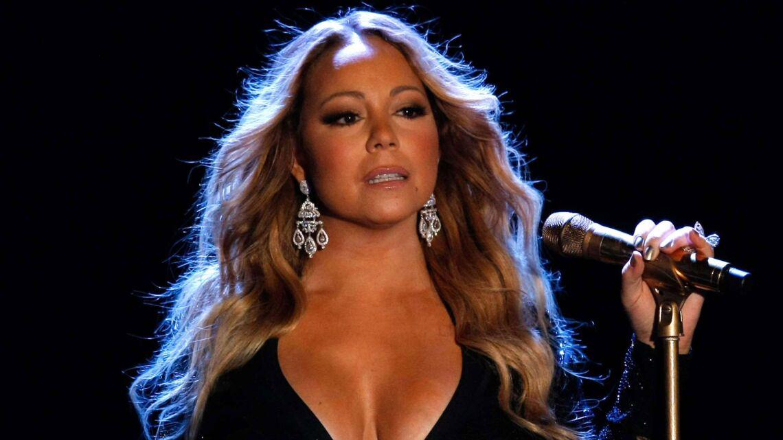 VIDEO – Mariah Carey: la diva rate complètement sa performance du Nouvel An à Times Square