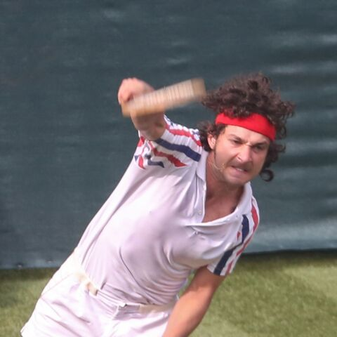 Photos – Shia LaBeouf bluffant en John McEnroe