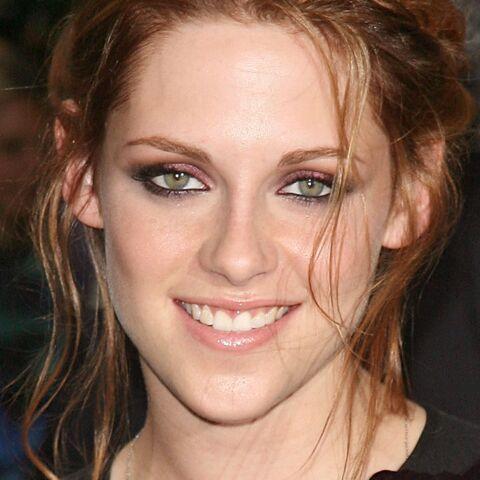 Coiffure de star: Kristen Stewart passe au rouge