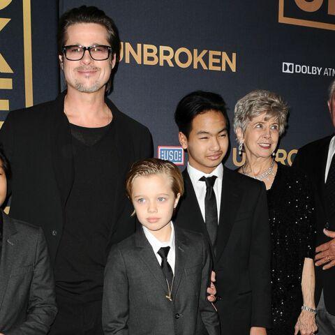 Brad Pitt au secours d'Angelina avec parents et enfants