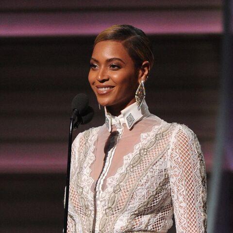Beyoncé, angélique aux Grammy Awards