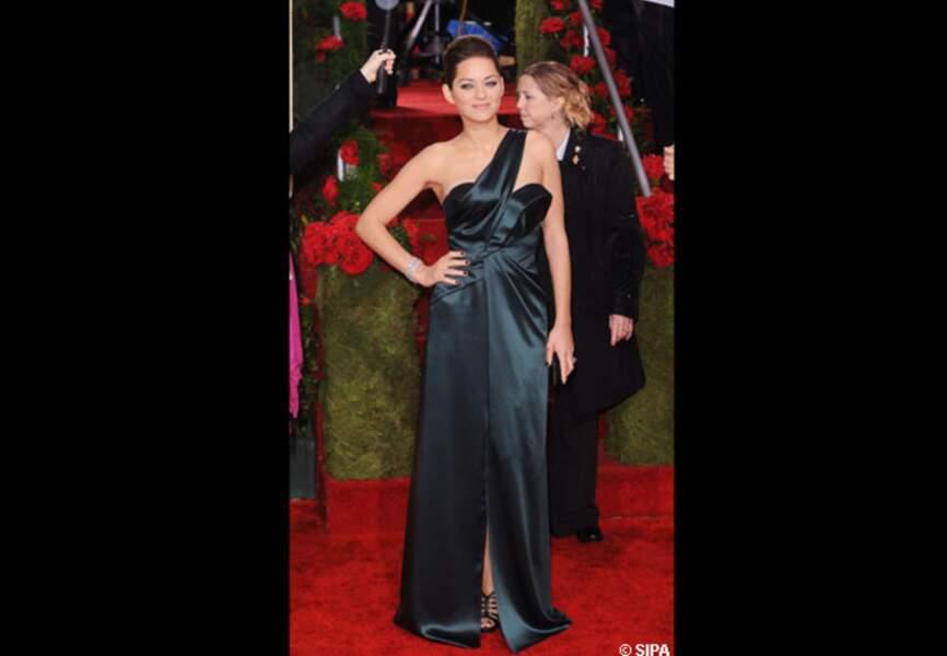 Marion Cotillard adore Dior