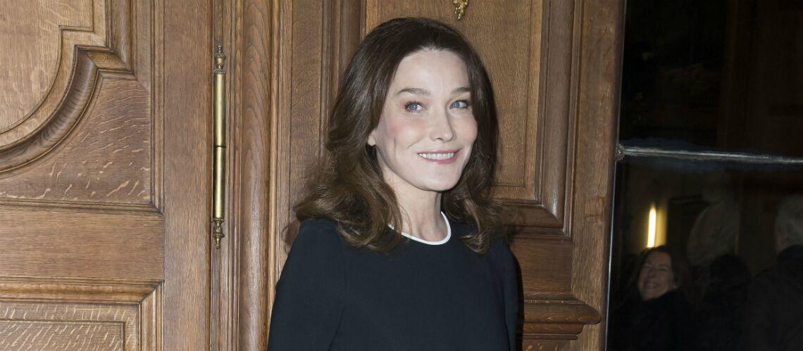 PHOTO – Cette invitation envoyée par François Hollande à Carla Bruni-Sarkozy l'a beaucoup énervée