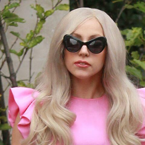 Lady Gaga enlève tout