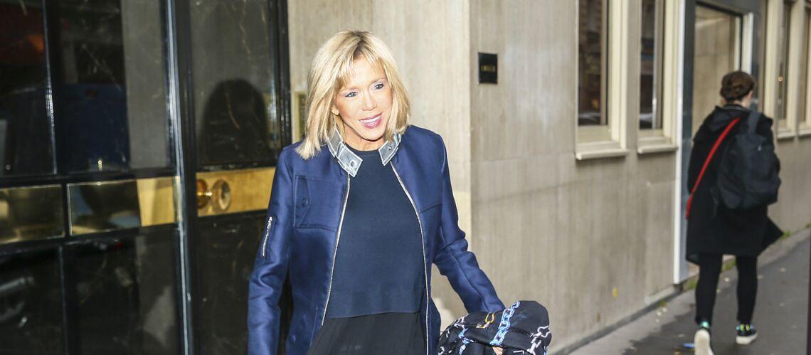 PHOTOS – Brigitte Trogneux ose le slim en cuir pour la grande annonce d'Emmanuel Macron