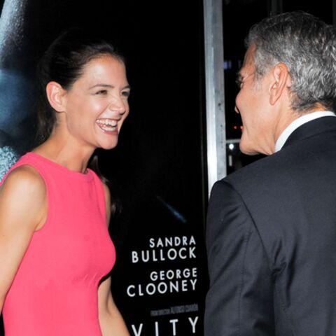 Katie Holmes, entre George Clooney et Jamie Foxx, son cœur balance