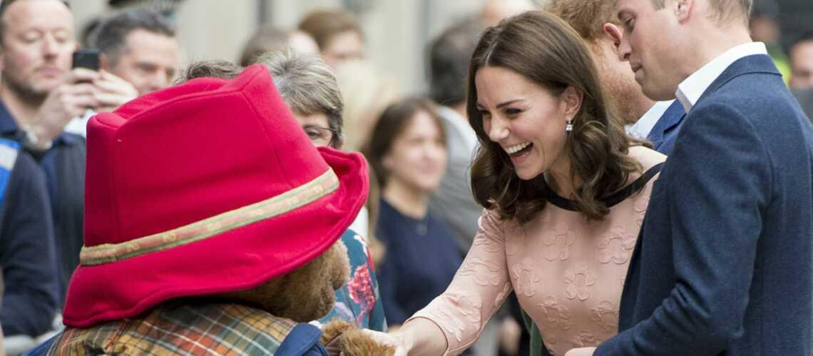 PHOTOS – Kate Middleton enceinte et radieuse dans une robe Orla Kiely à 136 €