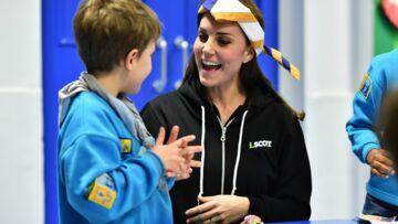Kate, princesse à capuche chez les scouts