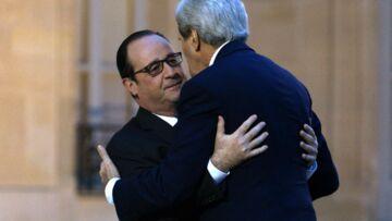 Photos – L'hommage de John Kerry aux victimes de Charlie