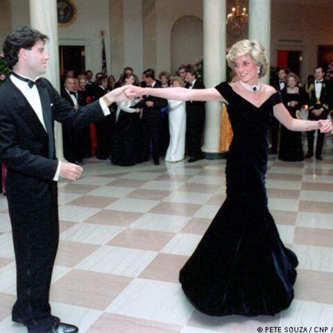 Photos- Lady Diana dans les bras de John Travolta et Clint Eastwood