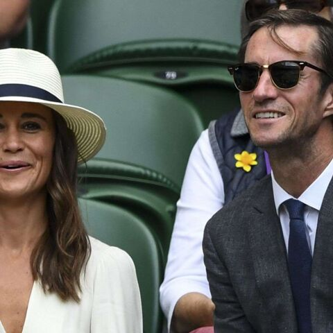 PHOTOS – Pippa Middleton et James Mathews : encore assortis et très amoureux à Wimbledon