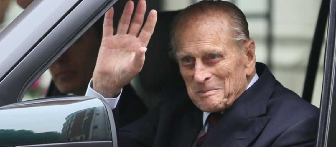 Photos- Le prince Philip a quitté l'hôpital tout sourire