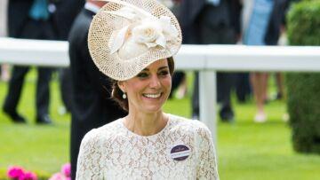 Princesse Kate, belle des champs en Dolce & Gabbana