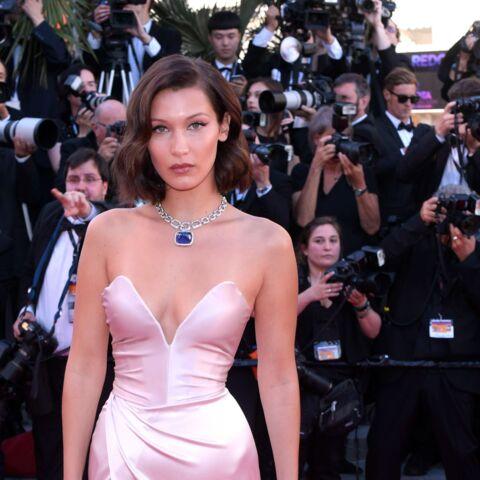 Festival de Cannes: Bella Hadid sa robe fendue montre sa culotte par inadvertance, comme l'année dernière