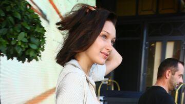 PHOTOS – Bella Hadid réchauffe la Croisette dans  un ensemble inspiration lingerie