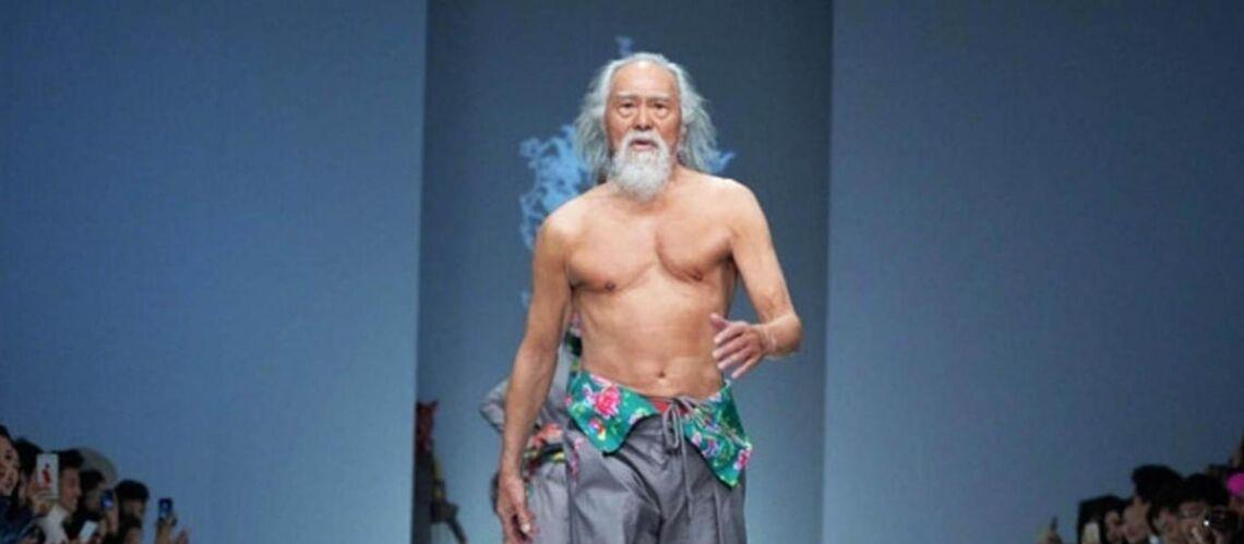 PHOTOS – Découvrez Wang Deshun, top modèle chinois à l'âge de 80 ans