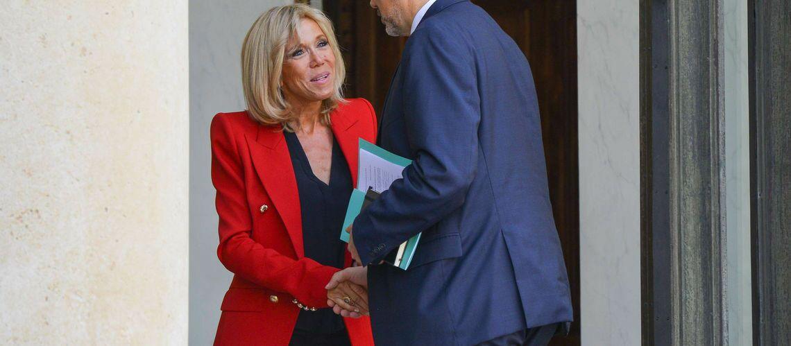 """Brigitte Macron: ça ne la dérange pas que ses tenues soient commentées, si ça """"profite à la mode française"""""""