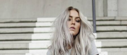 Ariana grande cheveux gris 2017