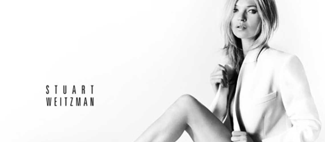 Kate Moss pose en petite tenue