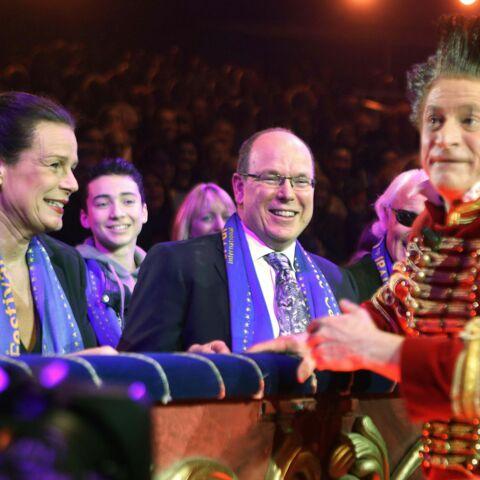 Cirque de Monaco: Moment complice entre Albert II et sa soeur Stéphanie