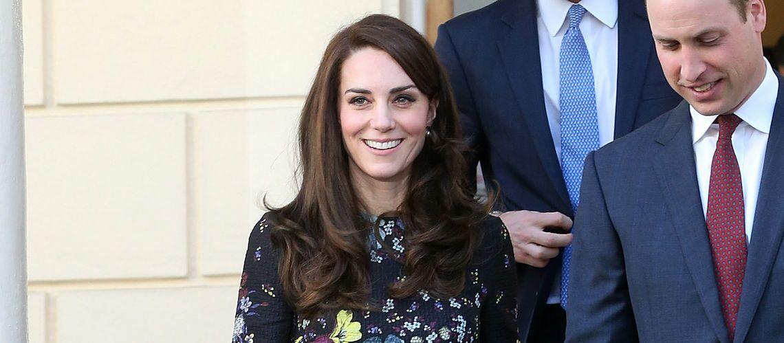 PHOTOS – Kate Middleton ne lâche plus ses escarpins Tod's