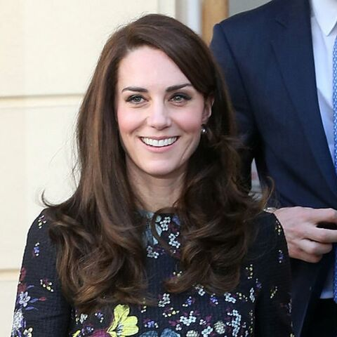 PHOTOS – Kate Middleton ne lâche plus ses escarpins Tod's
