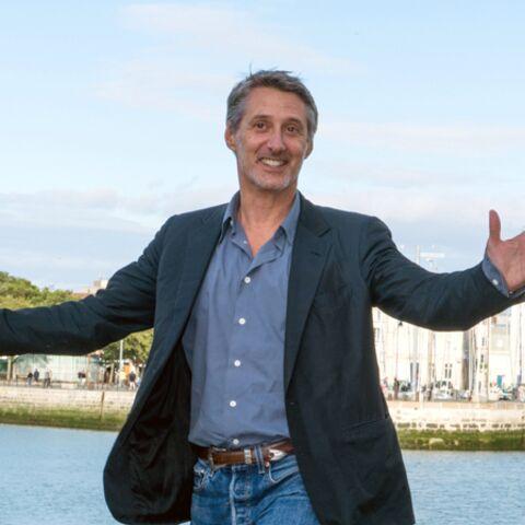 Antoine de Caunes dans le fauteuil de Michel Denisot