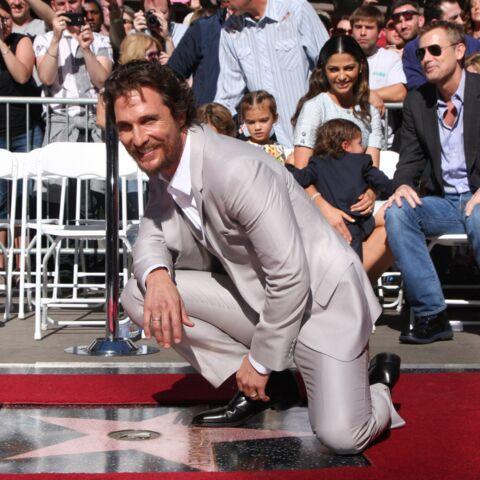 """Matthew McConaughey étincelle sur le """"Walk of Fame"""""""