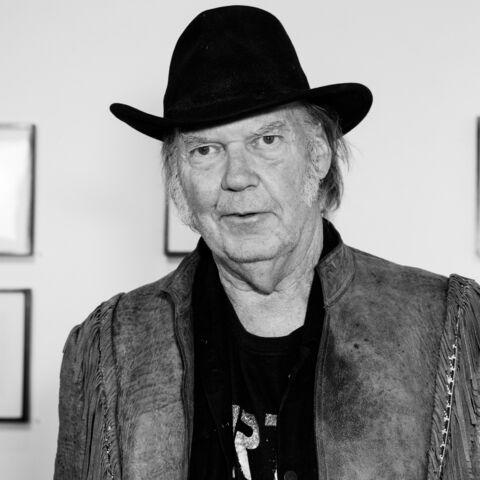 Neil Young s'en va en guerre contre Starbucks et Monsanto