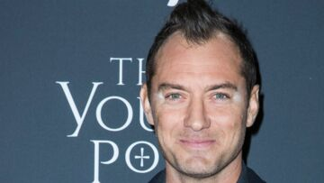 PHOTO – Jude Law : après la coupe de cheveux ratée, l'accident de maquillage… la fin d'un sex symbol ?