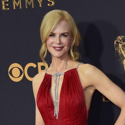 e48e999946 PHOTOS – Nicole Kidman: grande gagnante des Emmy Awards et  sublime sur le