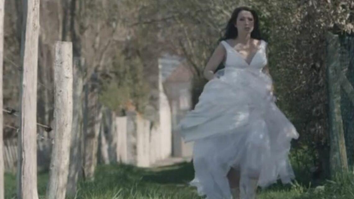 Vidéo – Laura Smet, mariée sublime et exaltée