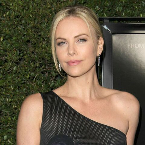 T'as le look… Charlize Theron!