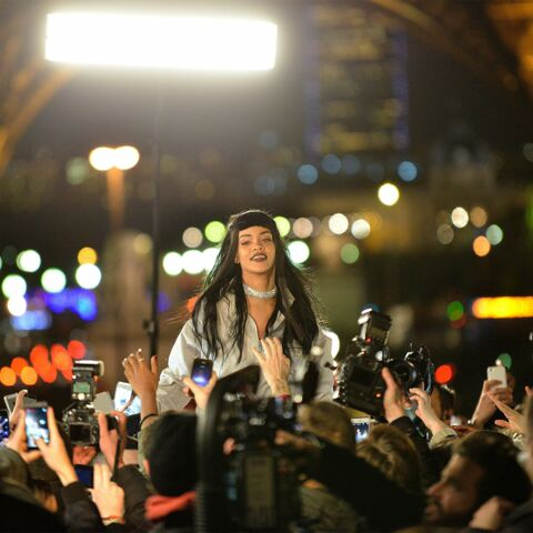 Rihanna embrase Paris