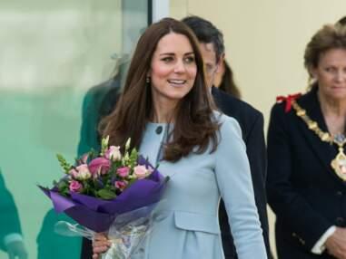 Princesse Kate, future maman en bleu layette