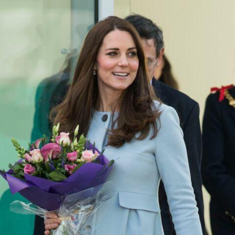 Princesse Kate enceinte: radieuse en bleu layette