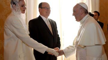 Pourquoi Charlène de Monaco portait-elle du blanc au Vatican?