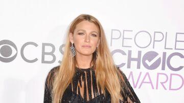 PHOTOS – Blake Lively mise sur la robe noire ultracourte aux People's Choice Awards