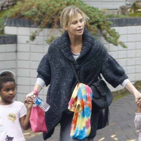 PHOTOS – Charlize Theron: pourquoi son fils Jackson, 5 ans, s'habille comme une petite fille?