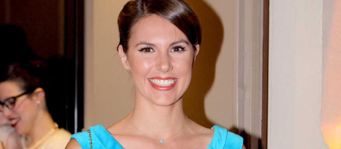 Vidéo – Émilie Besse passerait bien sous le bureau d'Ali Baddou