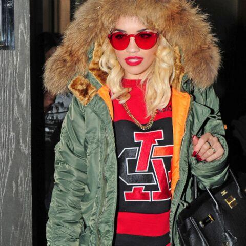 Rita Ora: Rihanna sort de ce corps!