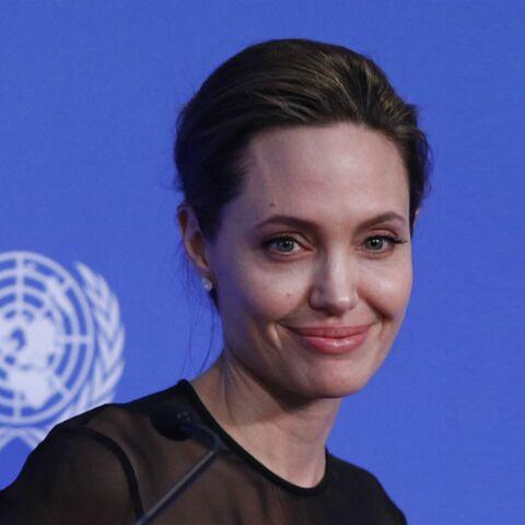 VIDEO – Angelina jolie fait sa première apparition depuis son divorce