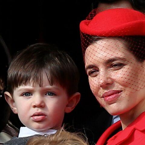 PHOTOS – Charlotte Casiraghi, son fils Raphaël pour la première fois au balcon avec elle
